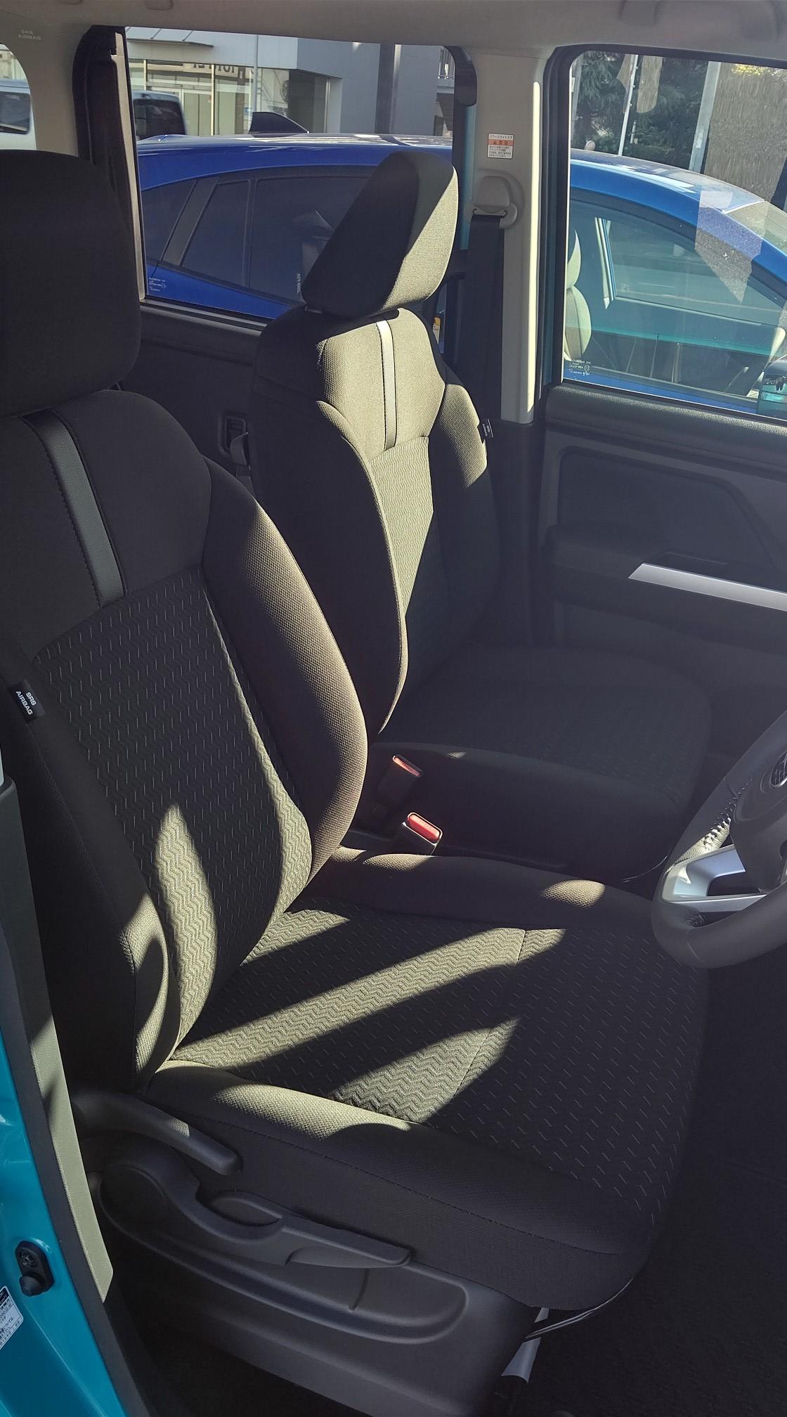 ジャスティ 運転席シート